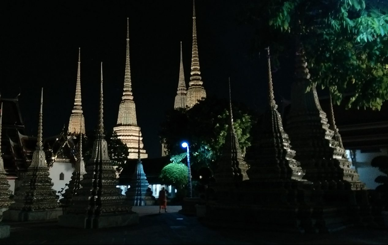 Wat Pho by night