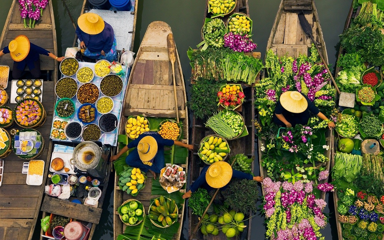 Khlong Lad Mayom Floating Market Canal and Food Tour