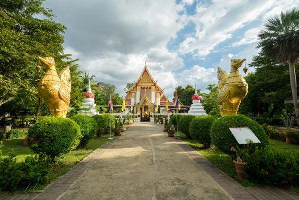 Beautiful temple on Koh Kret